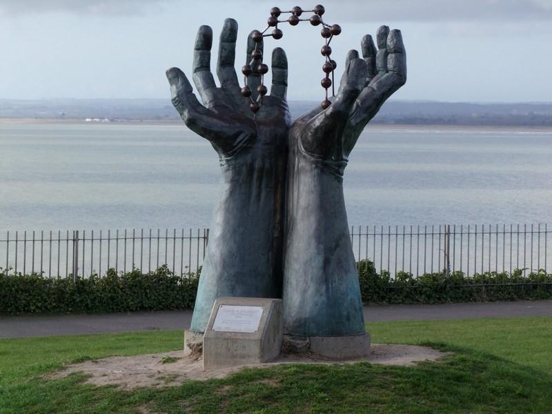 Hand & Molecule sculpture in Ramsgate.