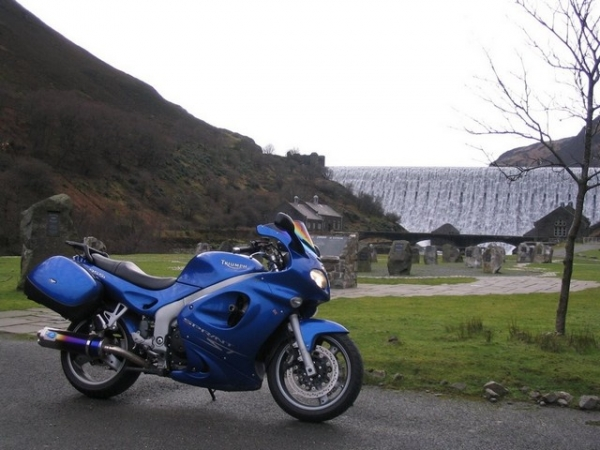 Rig's Triumph Sprint ST 955i at Elan Valley in 2007