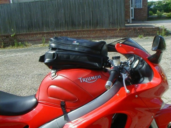 Baglux tank bag on Triumph Sprint ST
