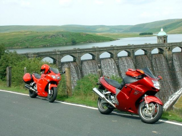Rig's Triumph Sprint ST 955i at Elan Valley
