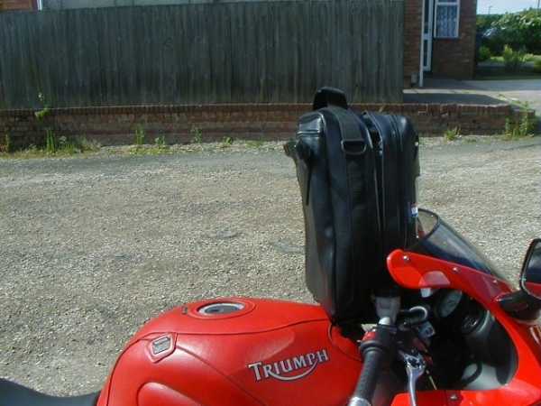 Baglux Alpha tank bag on Rig's Triumph Sprint ST