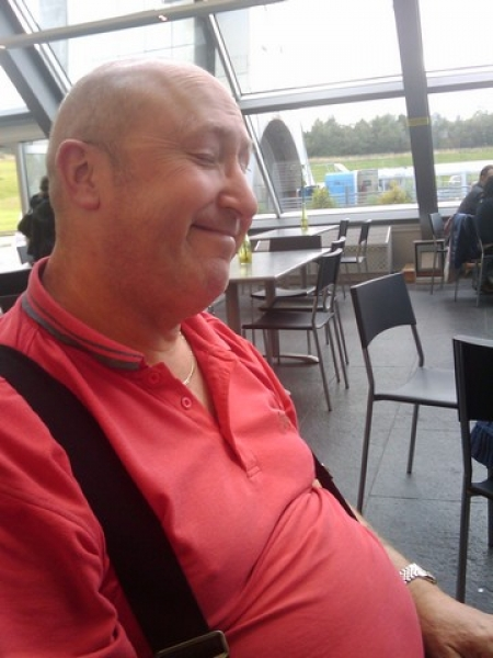 Bonzo in the Falkirk Wheel Cafe