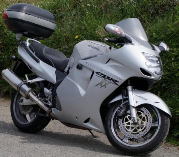 Bonzo's Honda CBR1100xx Blackbird