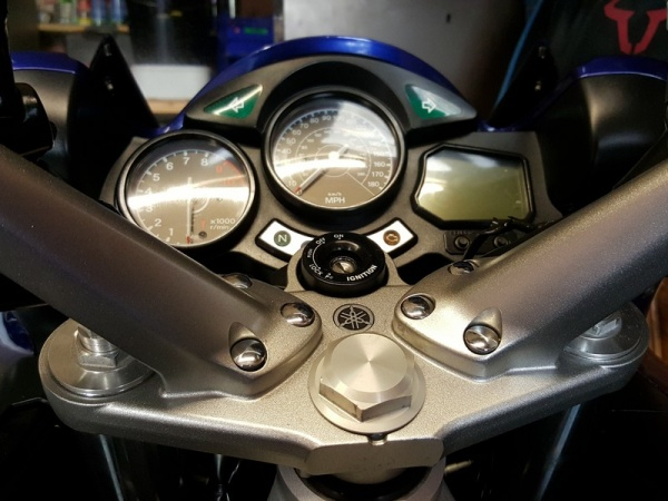 Original Yamaha FJR 1300 stem nut