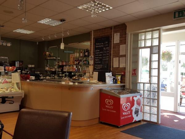 All Season's Cafe