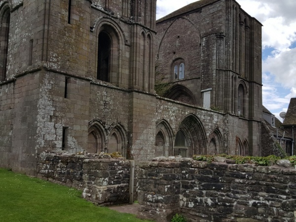 Llanthony Priory