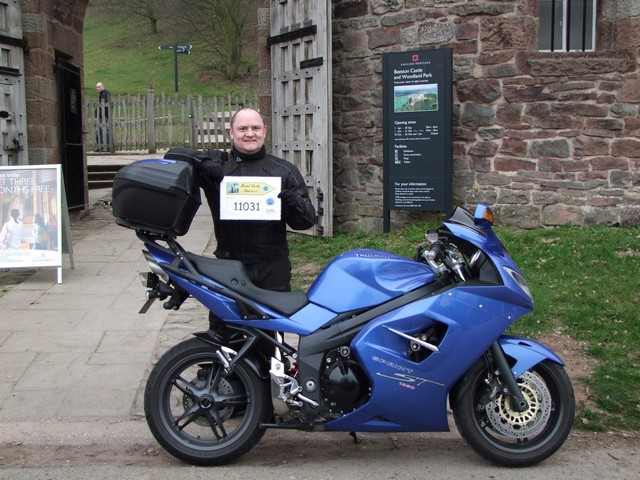 Beeston Castle and Andy's Triumph Sprint ST