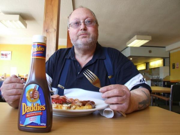 Bob enjoying a Fromes Hill cafe breakfast