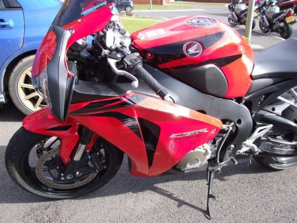Ray's Honda CBR1000