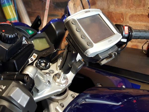 Telferizer stem nut plus RAM ball, RAM arm and Garmin GPS