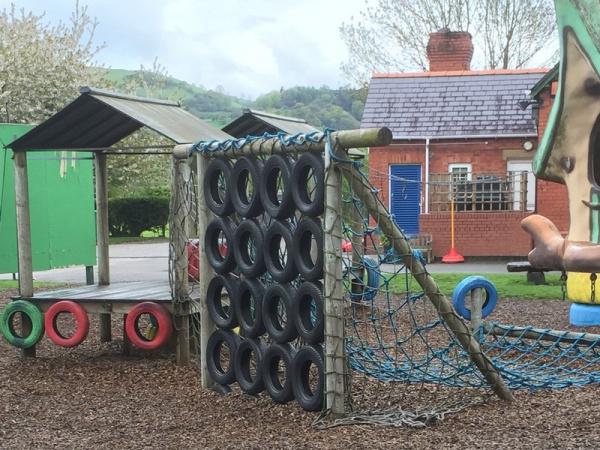 Llangedwyn School