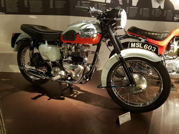 T120 Bonneville 1958